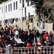 immigrati-centro-accoglienza-lampedusa-1-e1387304809692